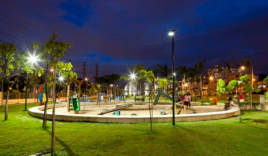 Parque-Madureira-Rio-de-Janeiro-lit-by-Schreder-RJ-MG-2265.jpg